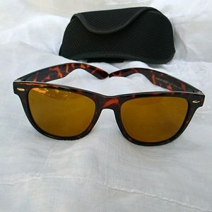 NWOT Eagle Eyes Sunglasses